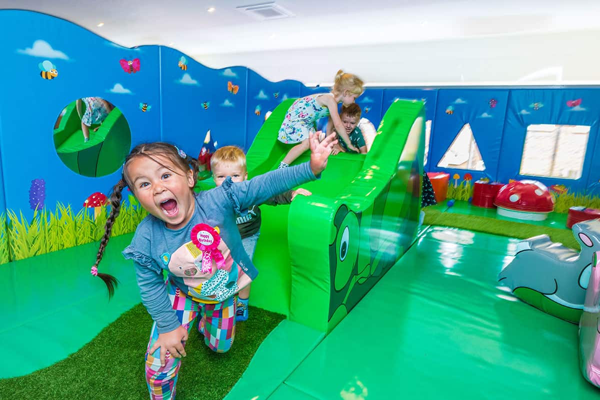 soft play at shapes banstead